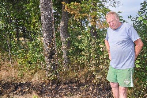 Erik Børud slukket en potensiell skogbrann på tomta til datteren, Berit Børud natt til 17. juli.