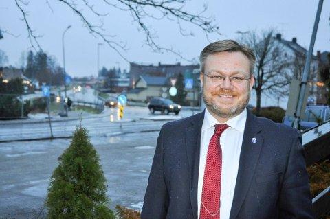 STILLER IKKE: Thor Hals er den eneste av Høyre-ordførere i regionen som ikke melder seg på i kampen om ordførerkjedet. Arkivfoto: Per Uno Blørstad