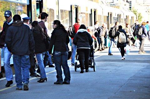 GOD VEKST: 18,5 prosent flere passasjerer benyttet seg av Østre linje fra Skøyen-Mysen (Rakkestad) første tertial i år, sett i forhold til i fjor.