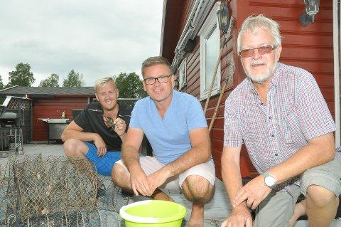 Aleksander Osflaten Abotnes (32), Håvard Wennevold Osflaten (47) og Stein Osflaten (68)