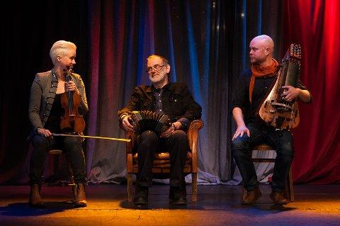 Jenny Gustafsson, Richard Burgess og Anders Ådin er Doggerland.