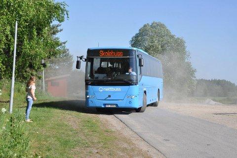 ILLUSTRASJONSBILDE: Elevene mener at busstilbudet til og fra Skiptvet er for dårlig. De mener noe må gjøres.