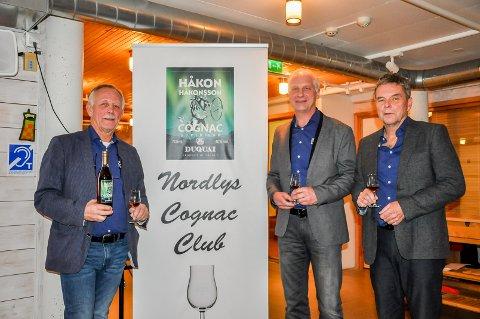 Tore Vrangen, Arild Birkelund og Frede Christensen var strålende fornøyd med å pressentere sin nye konjakk. Truls Andersen og Vidar Løken var ikke tilstede.
