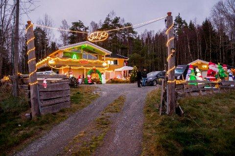 2018: Bildet av dette julehuset ble tatt i fjor. Det ligger på adressen Sletta, Ørje.
