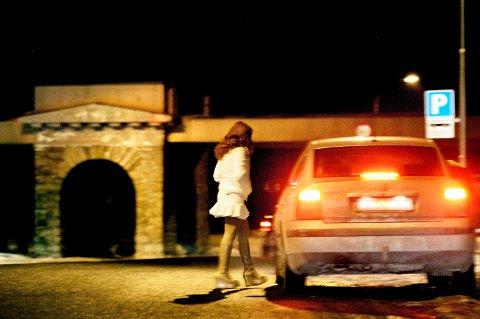 KJØPTE SEX: Den unge Indre Østfold-kvinnen reiste hjem til den funksjonshemmede mannen, der han betalte for sex.  (Foto: Hilde Unosen, Dagsavisen)