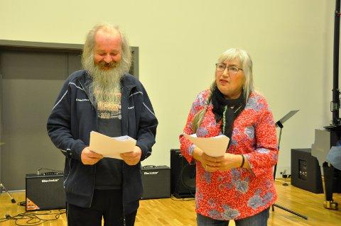 PRØVESPILL: Arnfinn Løkken er helt fersk i teaterfaget mens Grethe Anna Larsen er erfaren.