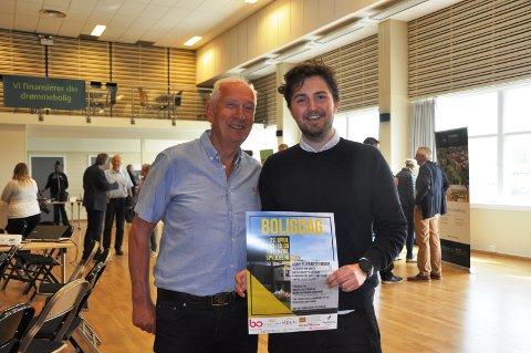 SMÅBYEN: Jan Gander (t.v.) og Simen Hansen forteller at markedsføringen gjennom Ski kino har resultert i mange henvendelser og interesse for boligprosjektene i Spydeberg.