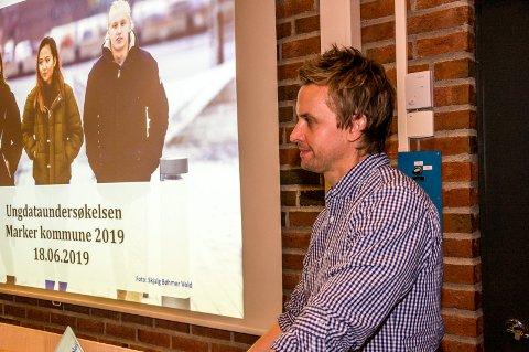 PRESENTERER: Stian Overå, i KoRus-Øst presenterer rapporten i kommunestyret.