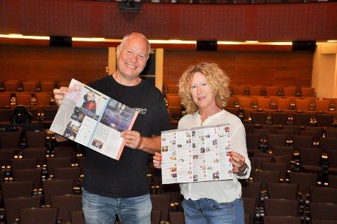 BREDT PROGRAM: Frank Tangen og Metter Killingmoe holder frem høstens program. Der håper de det er noe for enhver smak.