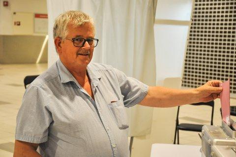 FORHÅNDSSTEMTE: Leif Hansen (64) valgte å forhåndsstemme på Morenen kjøpesenter fordi han er bortreist på valgdagen.