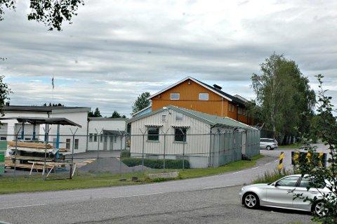 RØMTE: En fange skal ha rømt fra lavsikkerhetsfengselet i Trøgstad. Han ble pågrepet kort tid etterpå. Arkivfoto