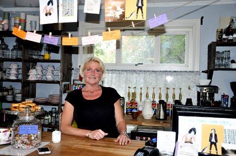 Kafédriver Hanne Dalen er strålende fornøyd med åpningsåret på Café Fossum.