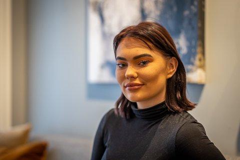- Det er skremmende at en 17-åring opplever slikt i sitt første jobbintervju, sier Isabell Dervola om jobbintervjuet.