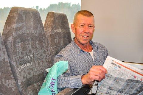 Knut Holm har pendlet i 42 år. Han har aldri opplevd å reise med så få medpassasjerer som han gjorde mandag morgen.