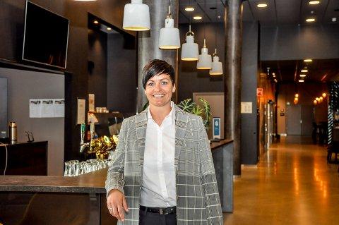 ALVORLIG SITUASJON: : Camilla Lund Andersen håper hun ikke blir tvunget til å permittere ansatte ved Scandic Hotell Brennemoen.