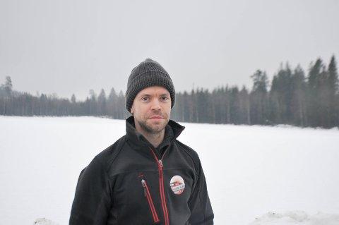 Hans Edvard Røssum-Tokerud på gården Morstong er nabo til Gislingrud.