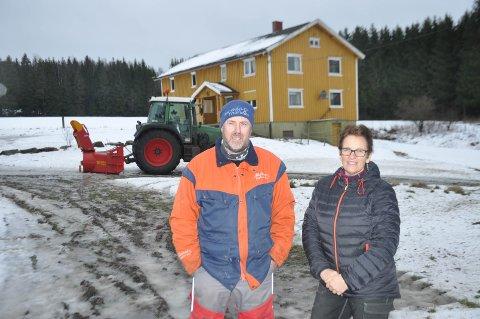 NYTT LIV:  Ingvill Aaser Ulsness og Wiggo Anders Andersen skal få nytt likv i en liten bondegård som har ligget brakk siden 1982.