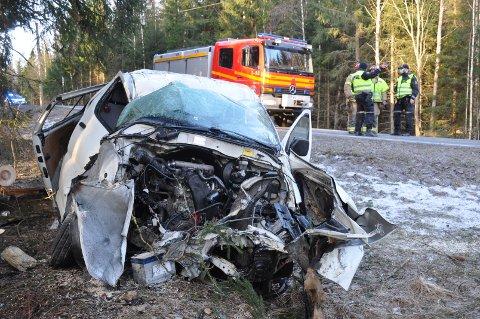 Føreren. en mann i 20-årene dro av veien i Haselrudåsen i det som tidligere het Trøgstad kommune.