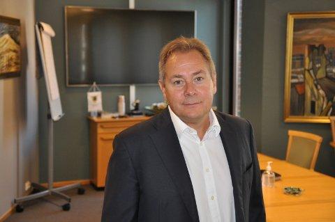 SPÅR ØKNING: Administrerende banksjef i Eidsberg sparebank, Glenn Haglund, har en klar formening om hvor mye rentene på lån vil komme til å stige i tiden fremover.