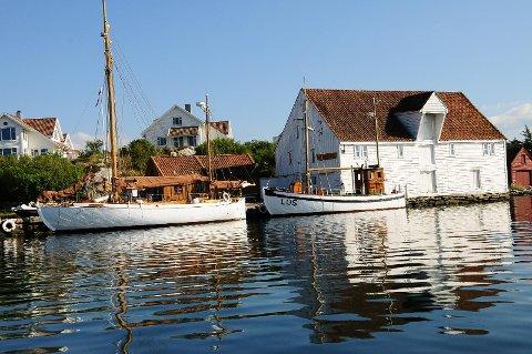 Kystkultursamlingen i Tananger skal være med på å bidra til et flott skue på sjøen 17. mai. Her ligger den gamle losbåten L/S Tananger.