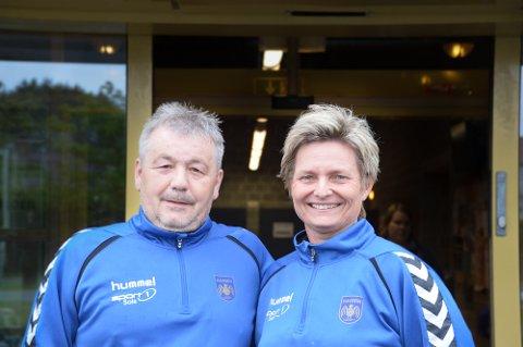 Geir Atle og Anne Lise Stai Larsen er å finne i Tanangerhallen nesten daglig. I løpet av ett kalenderår bruker de omtrent 500 timer hver på Havørn håndball.