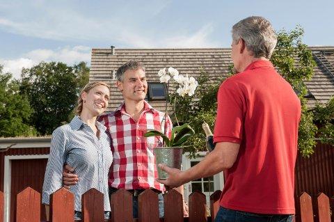 En god tone med naboen kan gjøre sommeren lettere.
