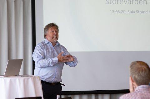 Rektor Tor Egil Gryte snakker begeistret om samarbeidet Storevarden skole og Universitetet i Stavanger har inngått.