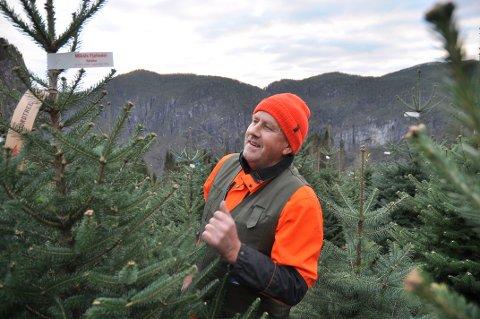 FRYKTAR FORBOD: Mikal Hetland meiner regjeringa sitt forslag i realiteten er kroken på døra for norsk juletreproduksjon.
