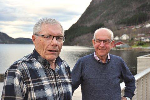 FORFATTARAR: Johan Livastøl (til venstre) og Sigbjørn Schmidt har skrive boka saman med Arne Kleppa.