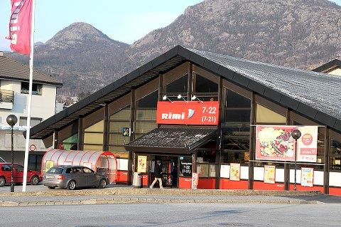 Coop har kjøpt ICA Norge som blant annet har Rimi-kjeden. Det vil si at Coop etter 1. april eier to butikker på Tau og to på Jørpeland.