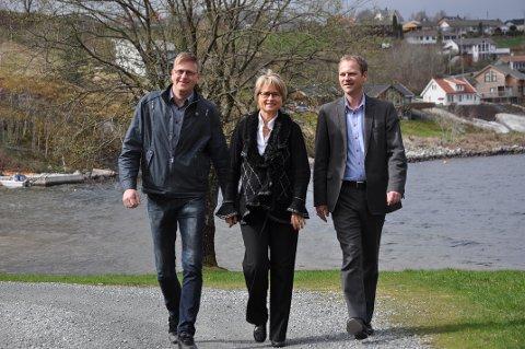 KLARE FOR INNSPEL: Ordførarane Ole Tom Guse (frå venstre), Trine Danielsen og Helge Steinsvåg håpar på god oppslutnad og klare innspel på innbyggarmøta denne veka.