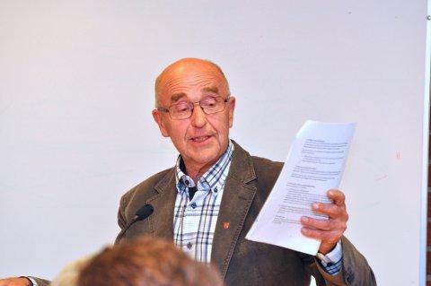 – Kva ryggdekning har dei som har tolka Hjelmeland sitt kommunestyrevedtak, spør Håkon Helgøy.