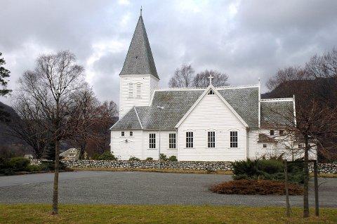 Ungdomane frå Årdal har vald andre kyrkjer eller andre former for konfirmasjon dette året. Det blir ingen konfirmantar i Årdal kyrkje til våren. (Foto: Magnar Riveland)