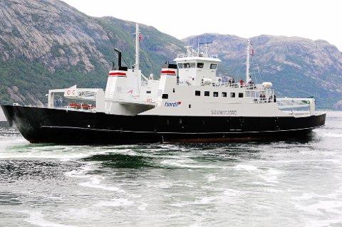 MF «Sognefjord» skal gå som turistferje på Lysefjorden også neste år. Den har plass 63 personbiler og 443 passasjerer.