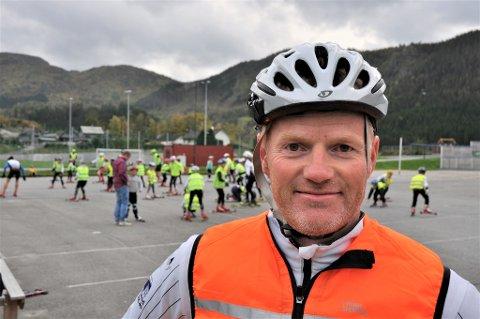 SAKNAR SNØ: Det blir mykje trening på barmark med hjul under skia for Trond Sandvik og dei lokale langrennsløparane, berre ei snau veke før KM på Evje.