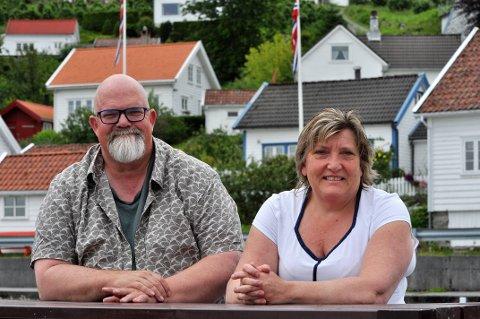 GODE TAL: Rådmann Wictor Juul og økonomisjef Eli Aspen presenterer gode økonomital for formannskapet.