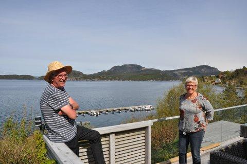 LYKKESTADEN: Helga og Sven Øglænd vil heller bu i Kjelavika på Fister enn i ei leilegheit i fjerde etasje i Sandnes.
