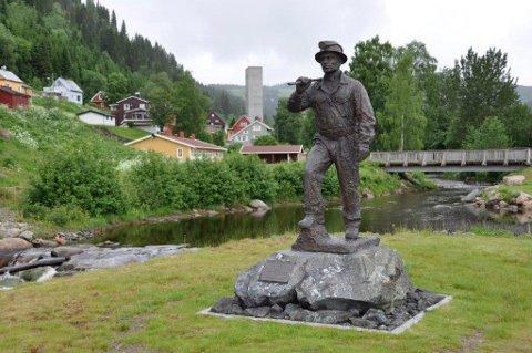 "I Bergmannsparken står ""Gruvkar'n"" som et minne på gruvedrifta."