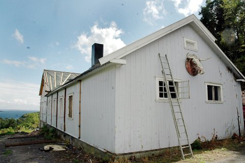 Historie: Dette bygget huset foreningen Samhold i over 100 år, før det ble solgt i 2009. Nå er det snart helt slutt for foreningen.