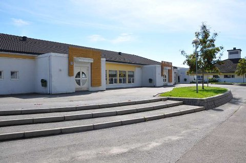 Ved Tømmerås skole ble det mellom 1. januar og 1. august meldt inn 13 avvik. Flere av dem var for vold mot lærere.