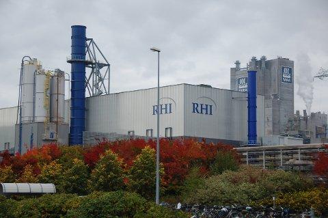 NY PRODUKSJON: RHI skal nå kjøre i gang økt produksjon ved fabrikken i Herøya industripark.