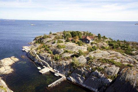STANGHOLMEN: Snaut 12,5 millioner kroner er prisantydningen for den 25 mål store øya Stangholmen i Bamble.
