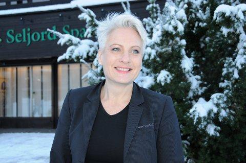 SPENNANDE: Assisterande banksjef i Sparebanken Din i Seljord, Harriet Slaaen, ser fram til å vere i på plass. ARKIVFOTO