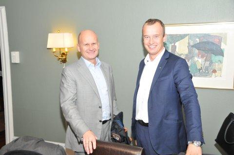 ER KLARE: Fylkesordførerne Rune Hogsned, Vestfold, og Sven Tore Løkslid, Telemark, er klare til å slå seg sammen. Men vil gjerne ha med Buskerud også. FOTO: LARS LØKKEBØ