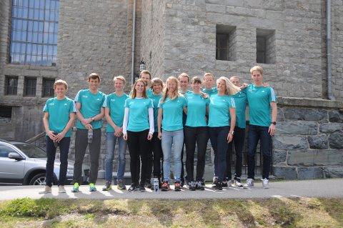 NYTT TEAM: Her er alle utøverne i nye Team Telemark samlet sammen med mentor Ella Gjømle Berg.