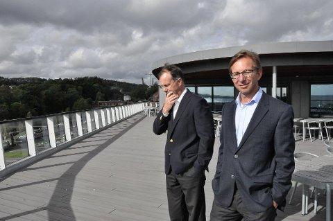 JEVN DRIFT: Konsernsjef Arvid Gusland (t.h.), her med investeringsdirektør Eirik Diesen, forteller at de vokser innenfor jevnt i alle deler av driften. (Foto: Tone Merethe Ude)