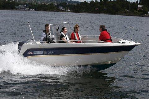 71 prosent i Vestfold oppgir at de har opplevd båtførere med høy fart og som er til sjenanse for omgivelsene, i nord er det få som har opplevd det samme. Foto: VIDAR RUUD / NTB scanpix