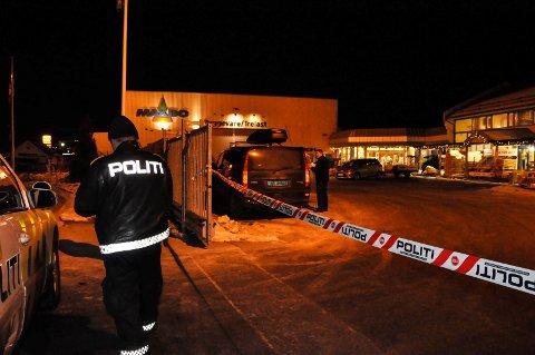 ÅSTEDET: Drapet skjedde inne i Maxbo-forretningen på Notodden lørdag 3. desember i fjor.