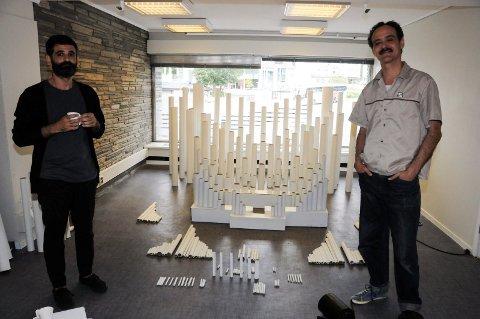 PAPPORGEL: La Josephine og Eduardo Balanza lager orgel av popp som blir mulig å se både i festivalens base i Landmannsgården og i tårnet i Skien kirke.