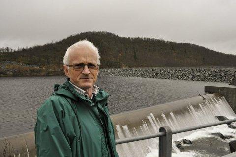 IKKE KRITISK: Nikolai Østhus i Øst-Telemarkens brukseierforening mener fortsatt det ikke er fare for en alvorlig flom i vårt fylke.
